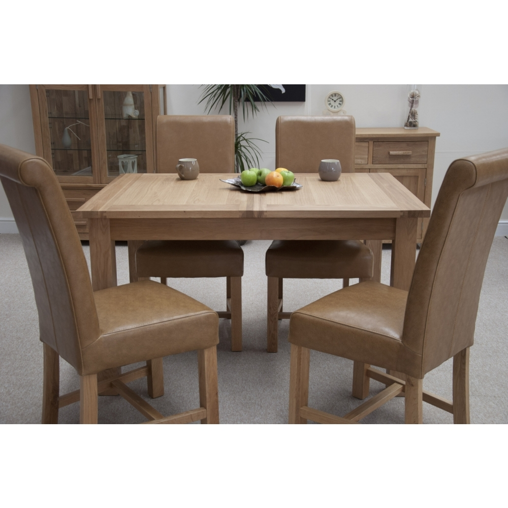 Boston Dining Table Extending With Four Leather Chairs Set