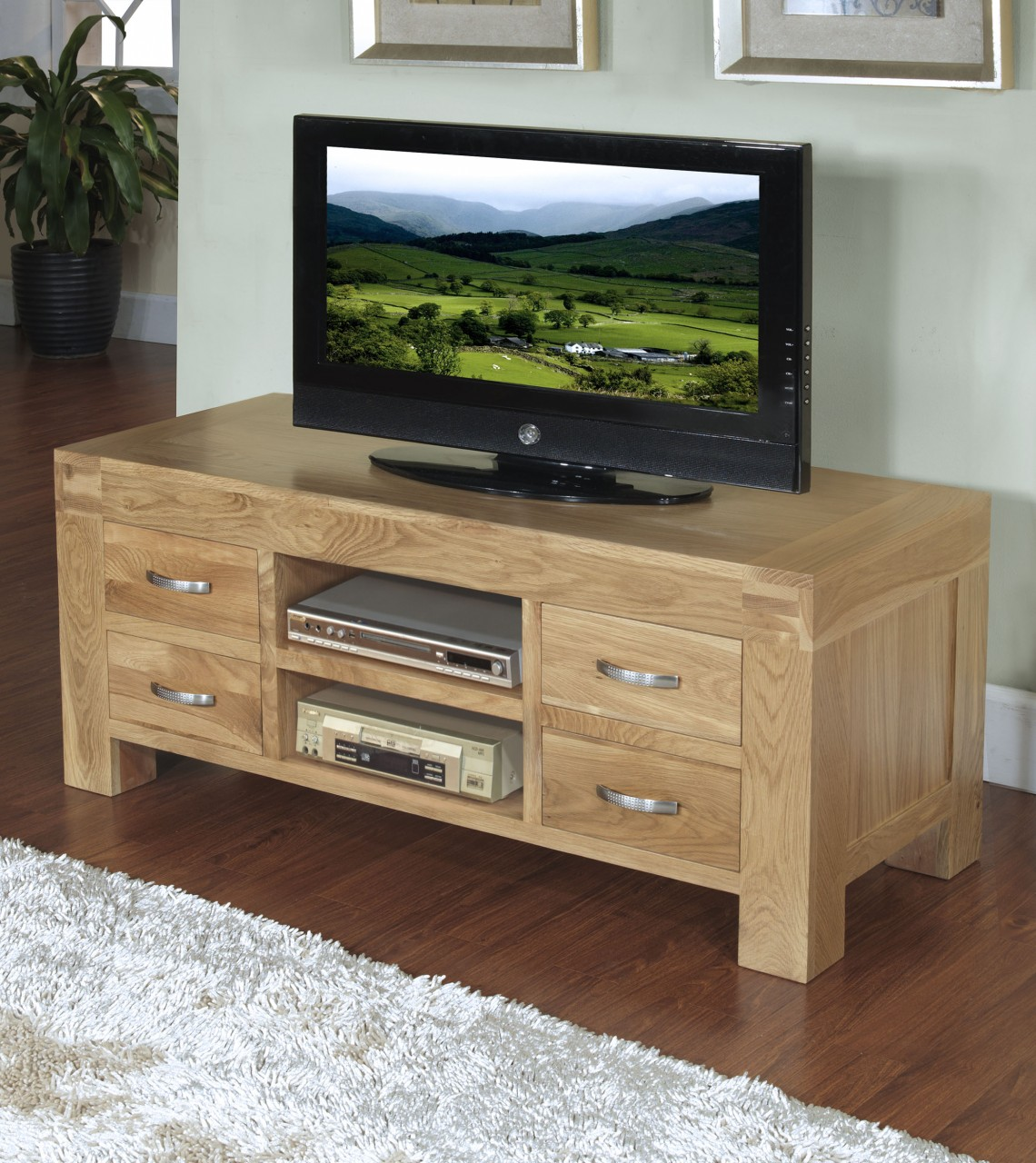 Rivermead solid oak modern furniture widescreen tv cabinet for Tv furniture