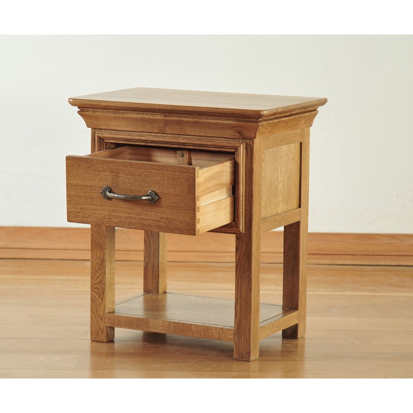 Toulon Solid Oak Furniture Small Side End Lamp Table With