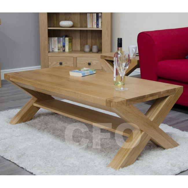 Add Some Style To Your Living Room With The Beautiful Coffee Table