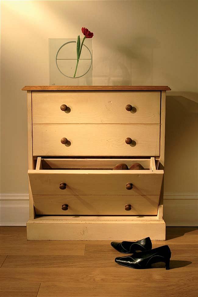 Hampton Cream Painted Pine Furniture Shoe Storage Cabinet Rack